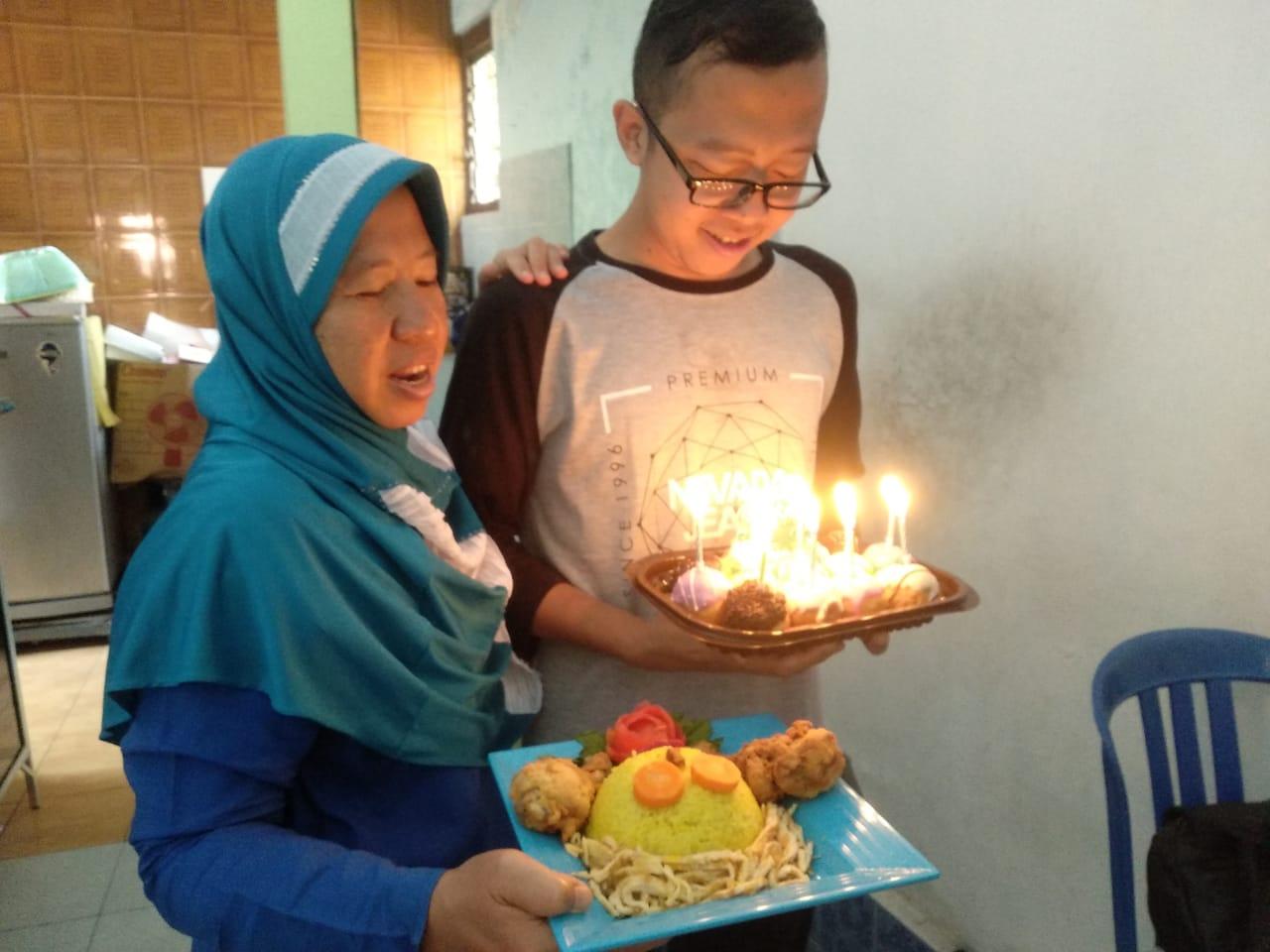 Happy Birthday, Selamat Ulang Tahun ya… Tak Terasa Sudah 25 Tahun, Tiup Terus Magic Lilin