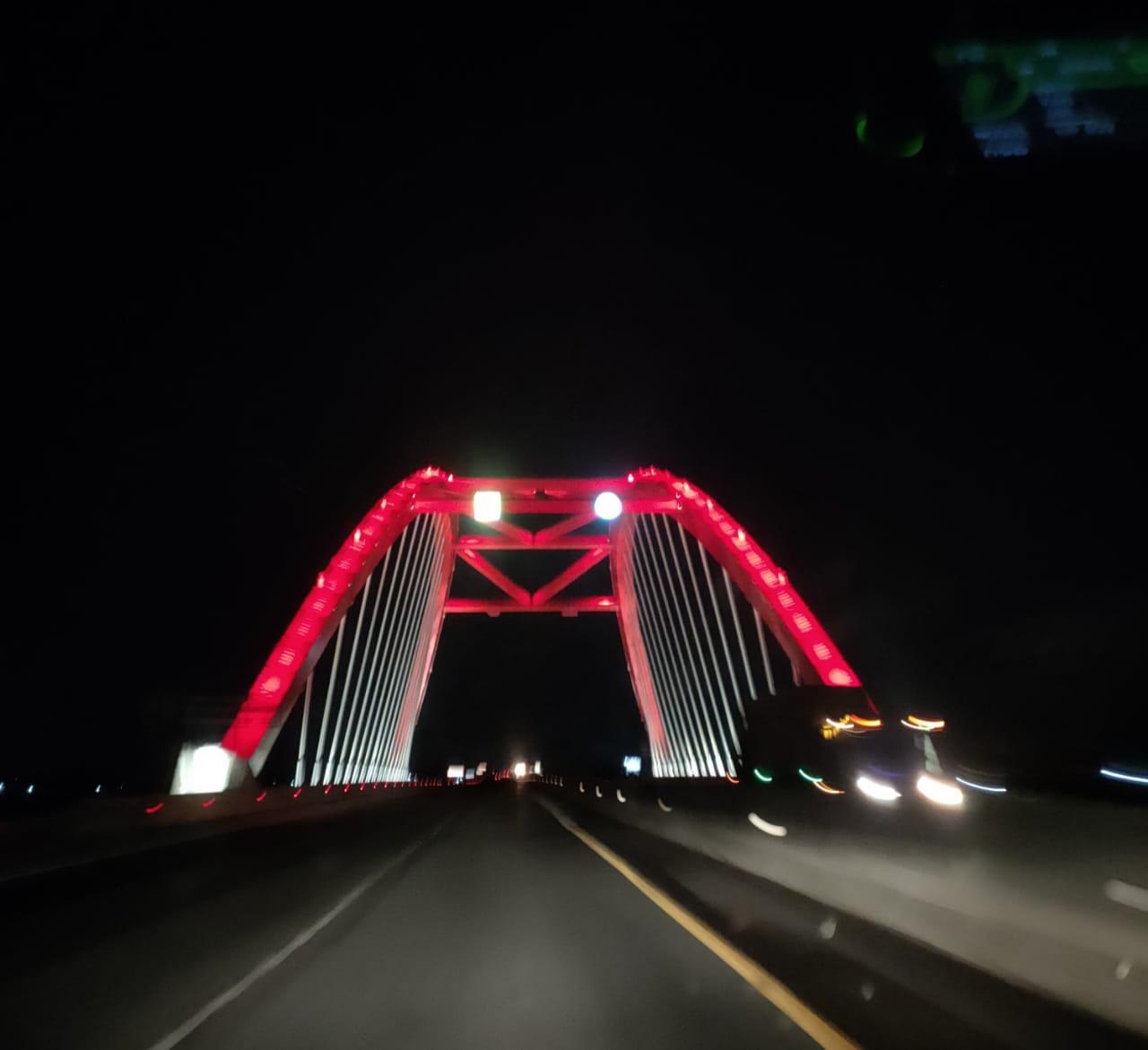 Jembatan Tol di Kendal Jawa Tengah, di Ambil pada Kecepatan 100 km/jam dengan Kamera OPPO Reno 4